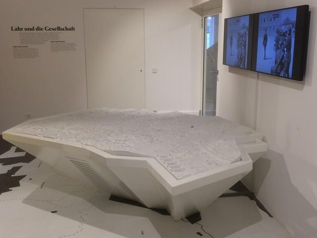 Styropor-modell-Stadt-Lahr-Museum-01