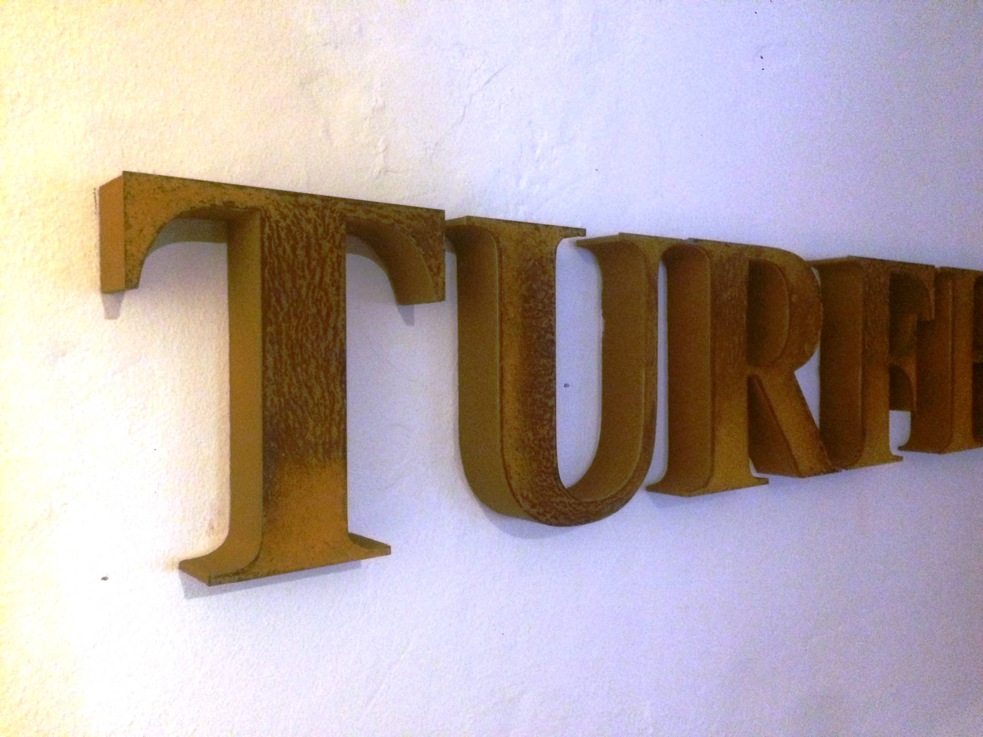 Turfhoeve-XPS-cortenstaal-letters-02
